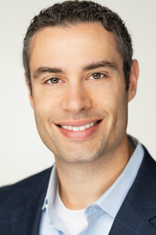 Daniel-Boyce-Headshot-VP-Marketing-Digimatiq-500x750
